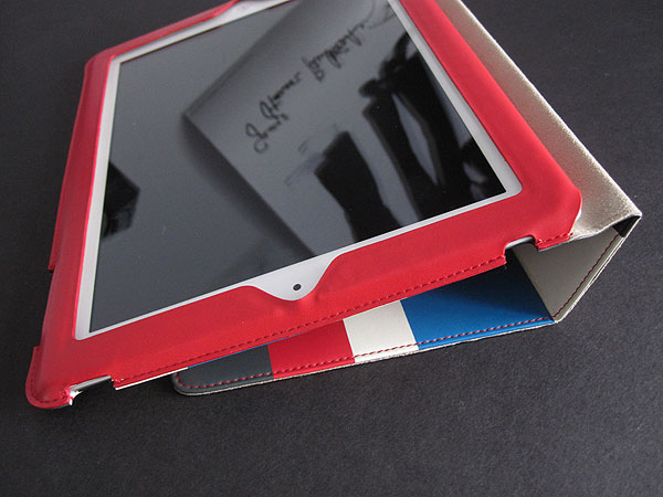 Review: Uniq Creation Streak for iPad (3rd-Gen)