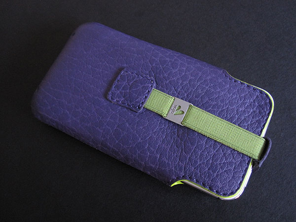 Review: Vaja Feather Pouch for iPhone 4/4S