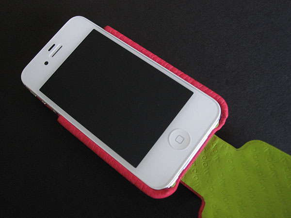 Review: Vaja iVolution Top LP for iPhone 4/4S