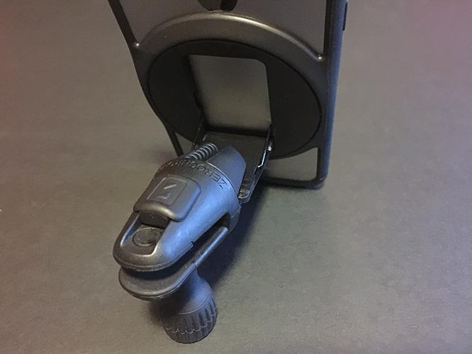 Review: ZeroChroma FluxStand-Compatible Car Vent Mount + Reflective Armband 5