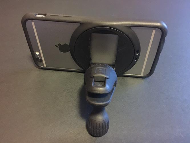 Review: ZeroChroma FluxStand-Compatible Car Vent Mount + Reflective Armband 7