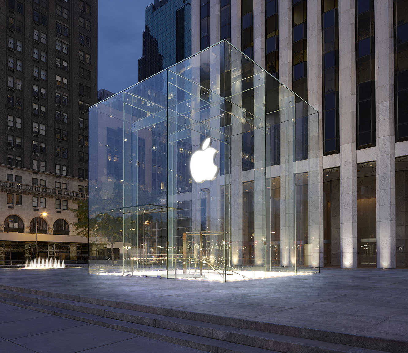 Apple may be adding Beats 1 DJ booth to Fifth Avenue store 1