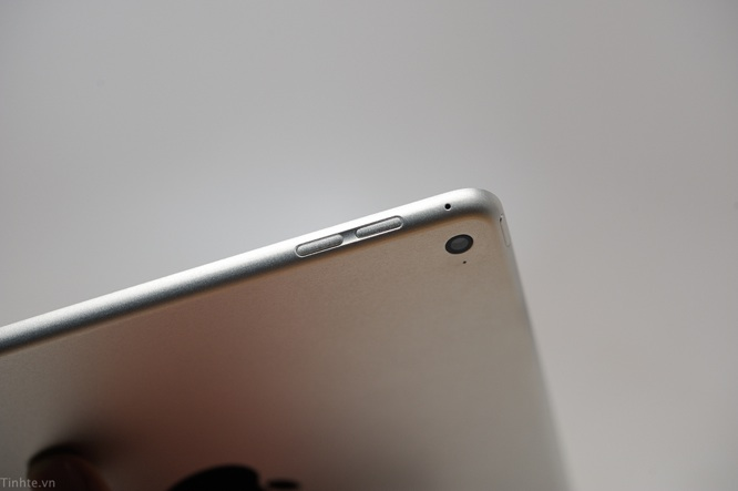 Leaked photos of alleged iPad Air 2 show thinner body, Touch ID