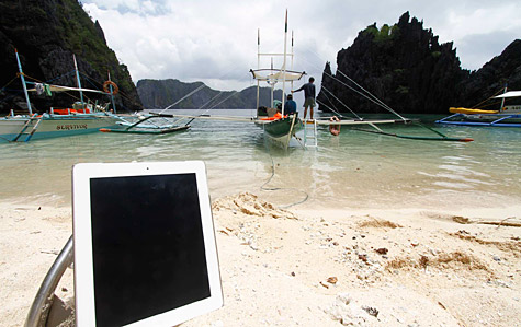 Photo of the Week: iPad 2 in the Philippines 1