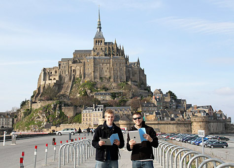 Photo of the Week: iPad 2 in France 1